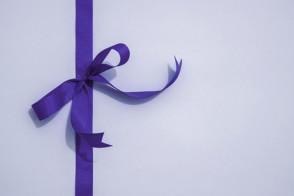 ruban cadeau violet